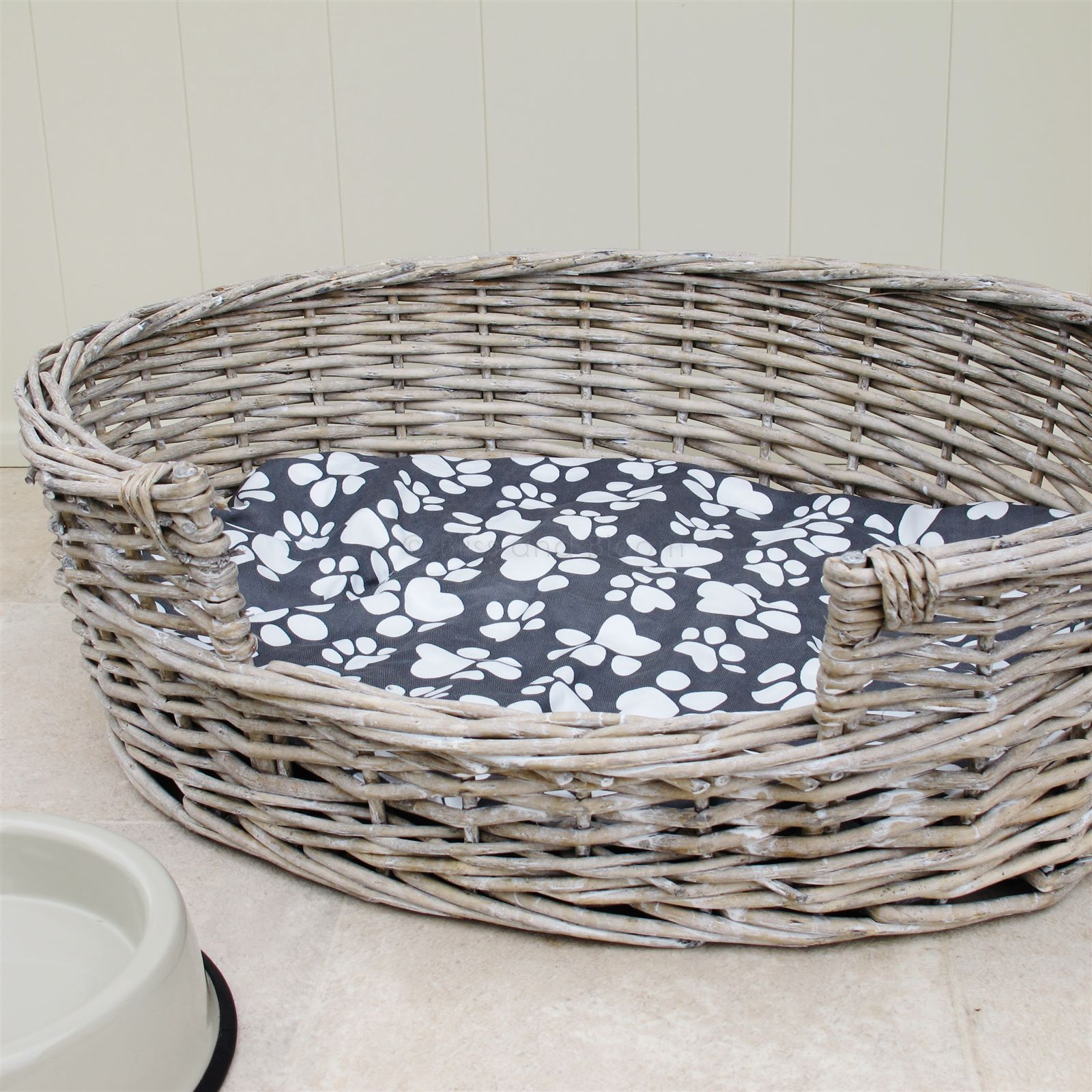 Wicker Dog Bed Basket Oval Bliss and Bloom Ltd Стиль