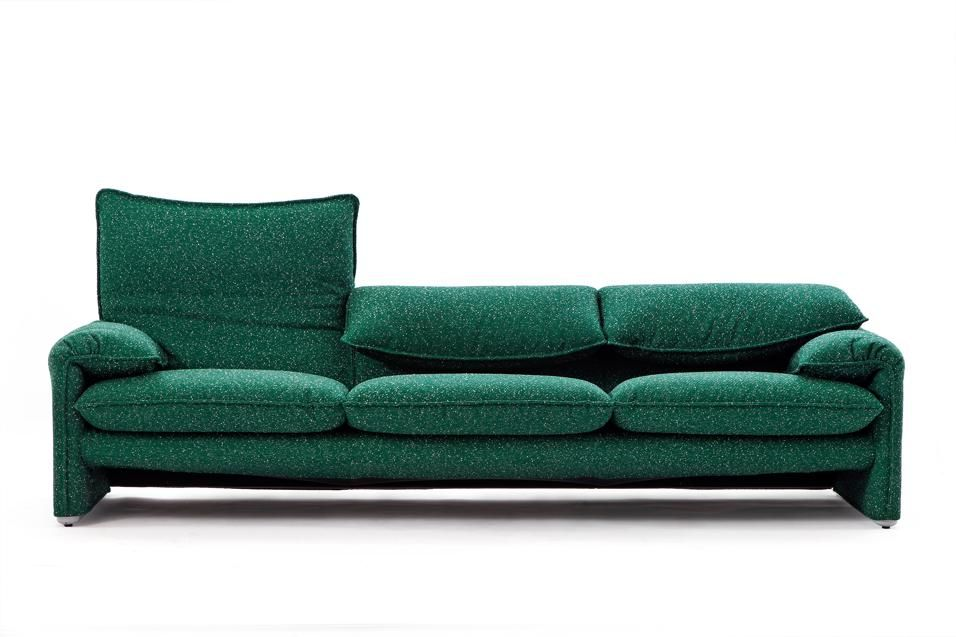 Divani e dintorni | Interiors, Joinery and Armchairs