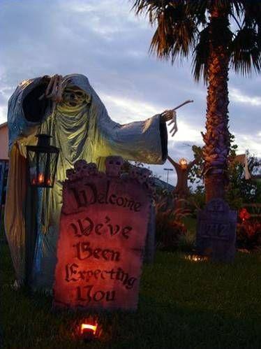 Pictures of Halloween Yard Haunts