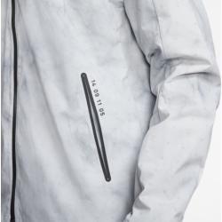 Photo of Chaqueta de running Nike Shield Tech Pack para hombre – Plateado Nike