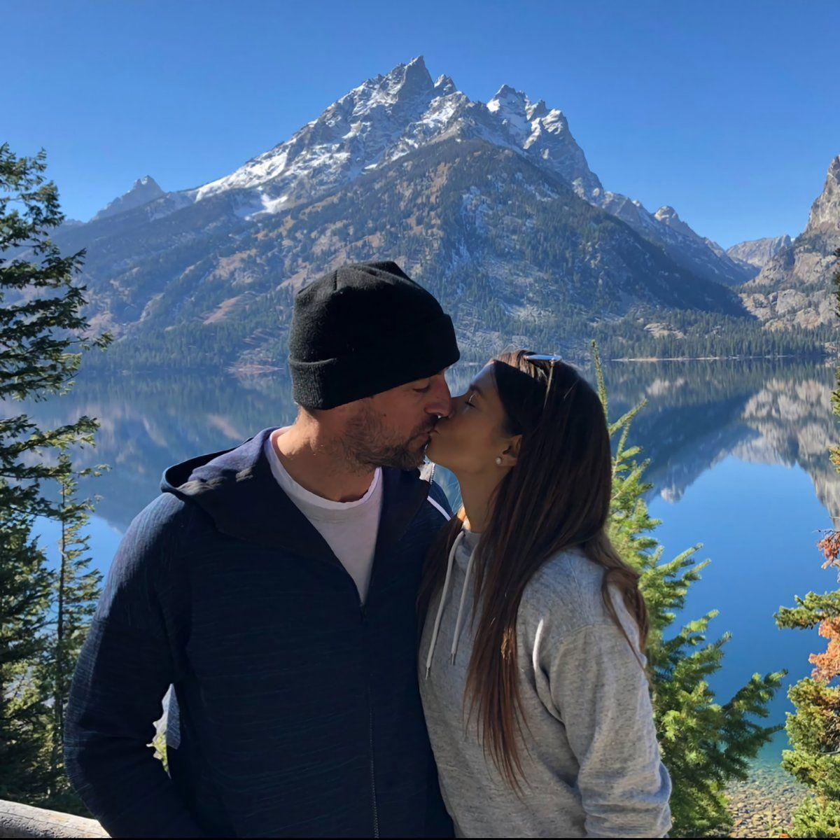 Danica Patrick And Aaron Rodgers Went On Vacation And Their Snaps Of New Zealand Are Just Stunning Scr Aaron Rodgers Danica Patrick Cincinnati Reds Baseball