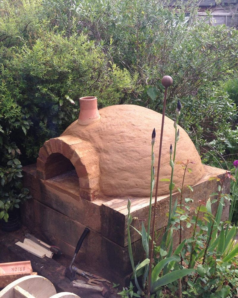 how to make a pizza oven in garden