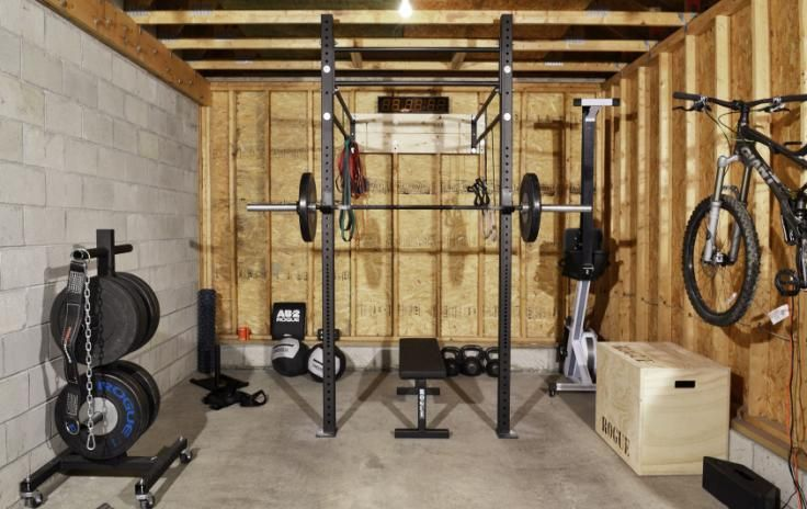 Cool Garage Gym Idea With Free Weights A Power Rack And A Bench Press Home Gym Garage Building A Home Gym At Home Gym