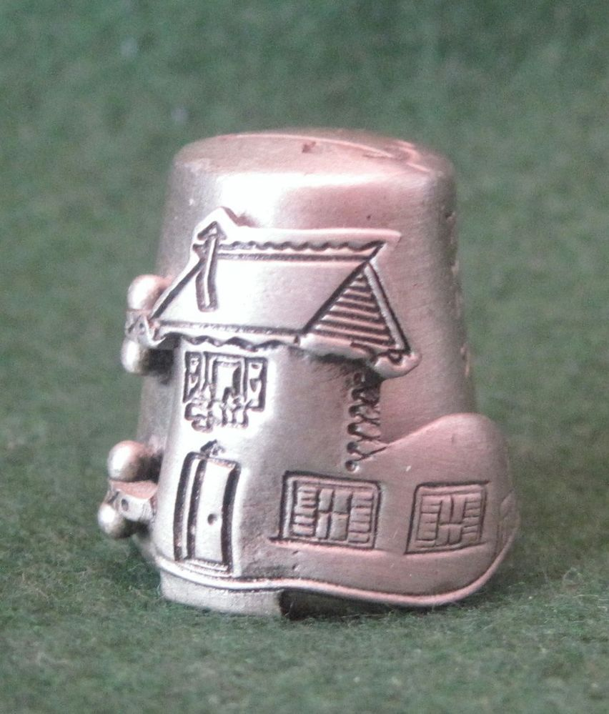 NICHOLAS GISH THIMBLE --- THE OLD WOMAN WHO LIVED IN A SHOE