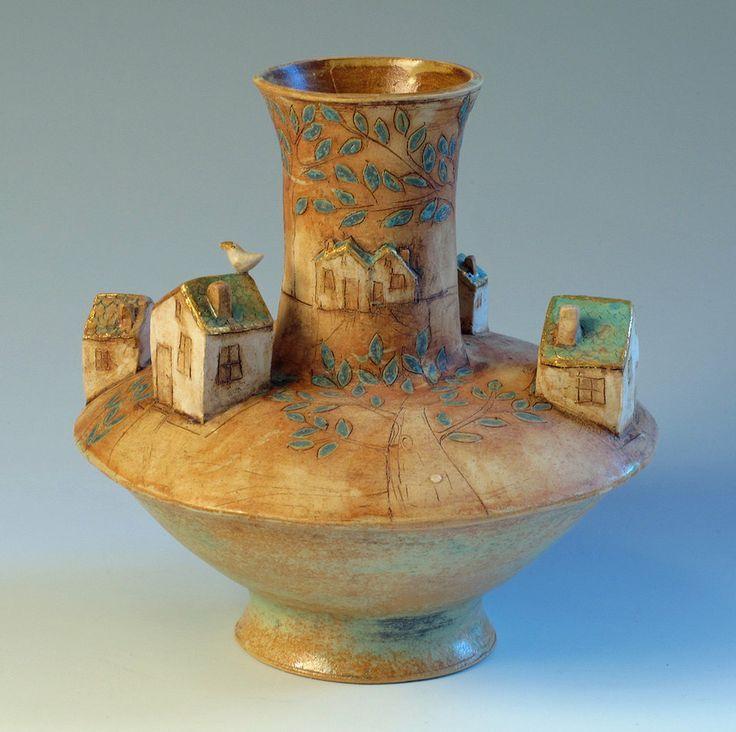 Маргарет Возняк  Маргарет Возняк посвящает свое время исключительно глине.  Ее керамика создает впечатление созерцательности, нежности, романтического настроения. http://tanjand.livejournal.com/1602878.html