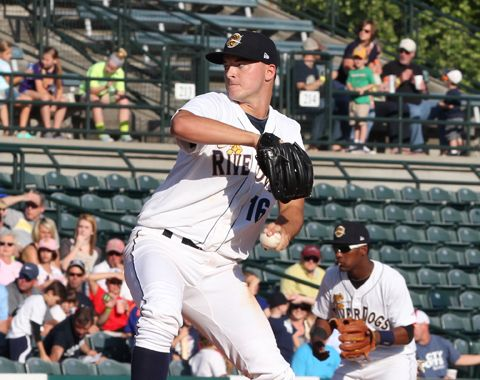 Hagerstown Suns Break Up Pitcher's Duel on Wilmer Difo's Dinger - http://www.beachcarolina.com/2014/08/03/hagerstown-suns-break-up-pitchers-duel-on-wilmer-difos-dinger/ Hagerstown takes series lead with home run in final inning Box Score: http://atmilb.com/1xRd0WL CHARLESTON, SC August 2, 2014 – On a night where the Charleston RiverDogs wore throwback Rainbows uniforms and General Manager Dave Echols received an in-game prostate exam, the Hagerstown Suns earned ... Be