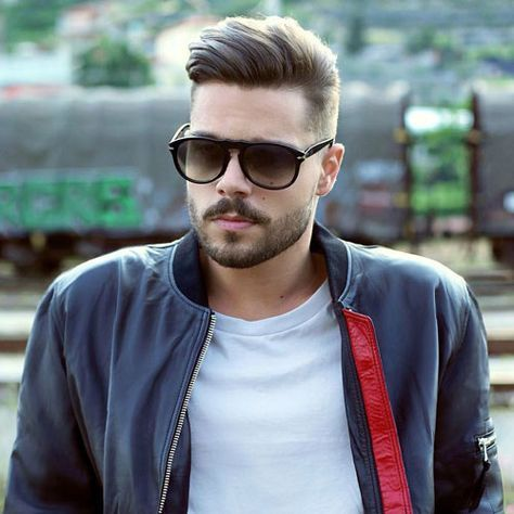 men 39 s hairstyles for oval faces coiffure homme. Black Bedroom Furniture Sets. Home Design Ideas
