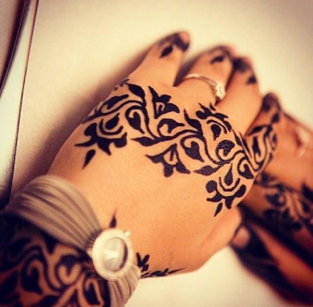 Absolutely Love The Detail Of This Black Henna Beautiful Henna Blackhenna Henna Tattoo Designs Henna Henna Ink