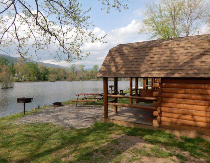 Asheville Camping Cabins (Dengan gambar)