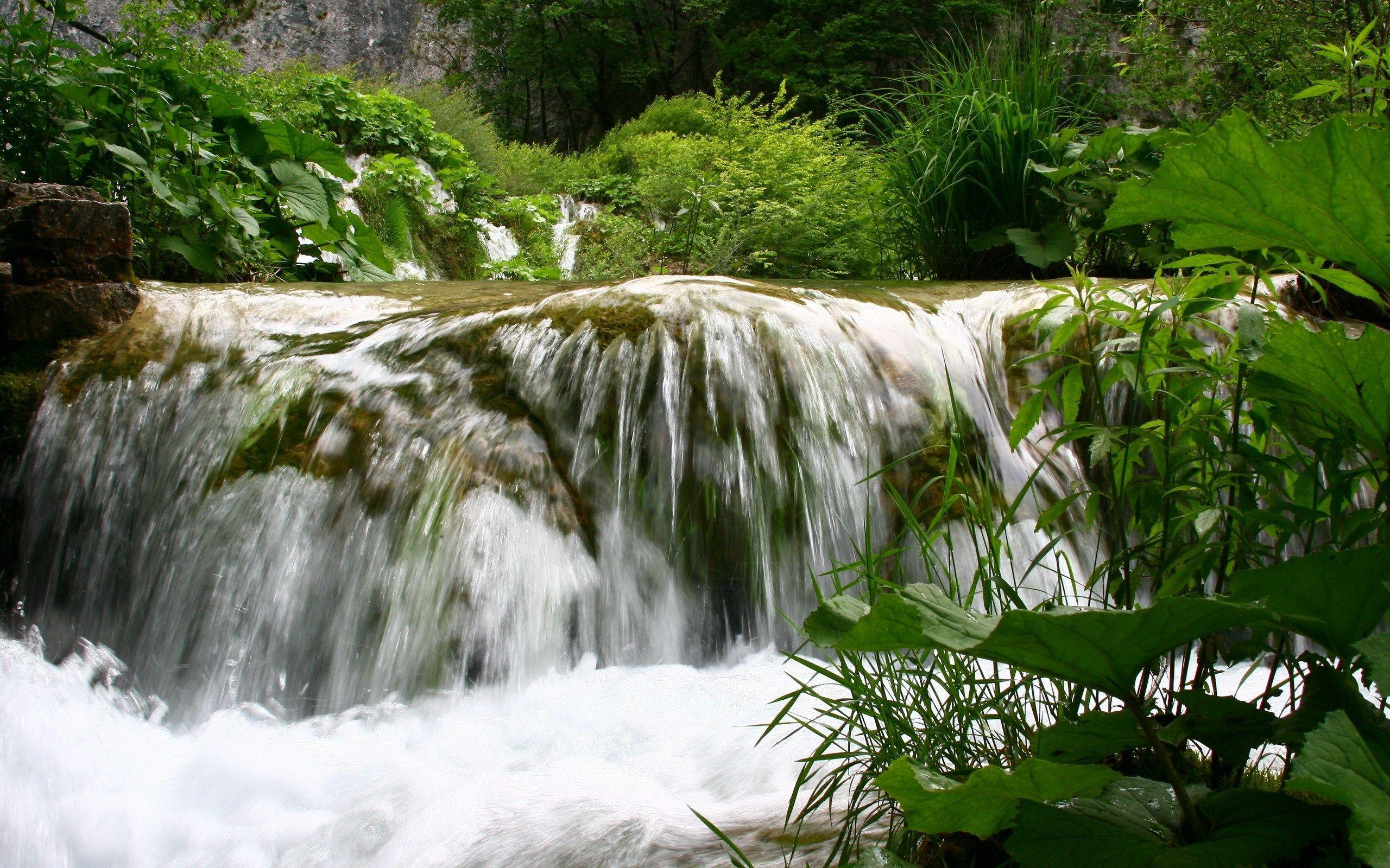 free desktop backgrounds for waterfall henley blare 2560x1600