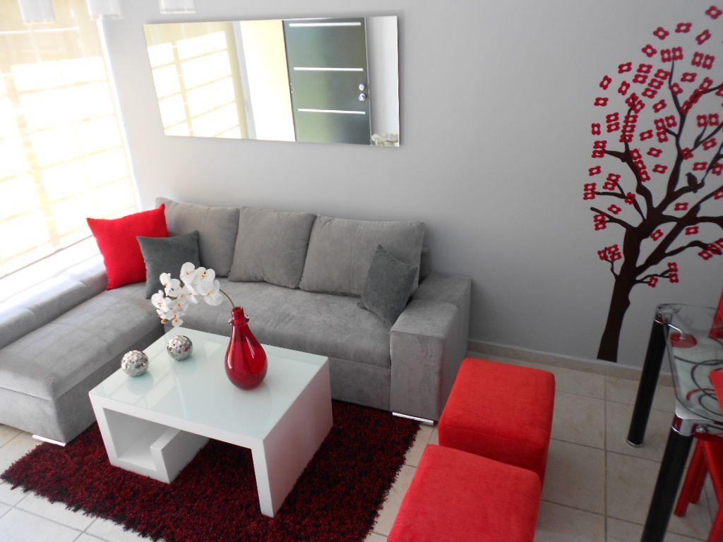 Seccionales para espacios peque os muebles pinterest for Sala comedor de casas pequenas
