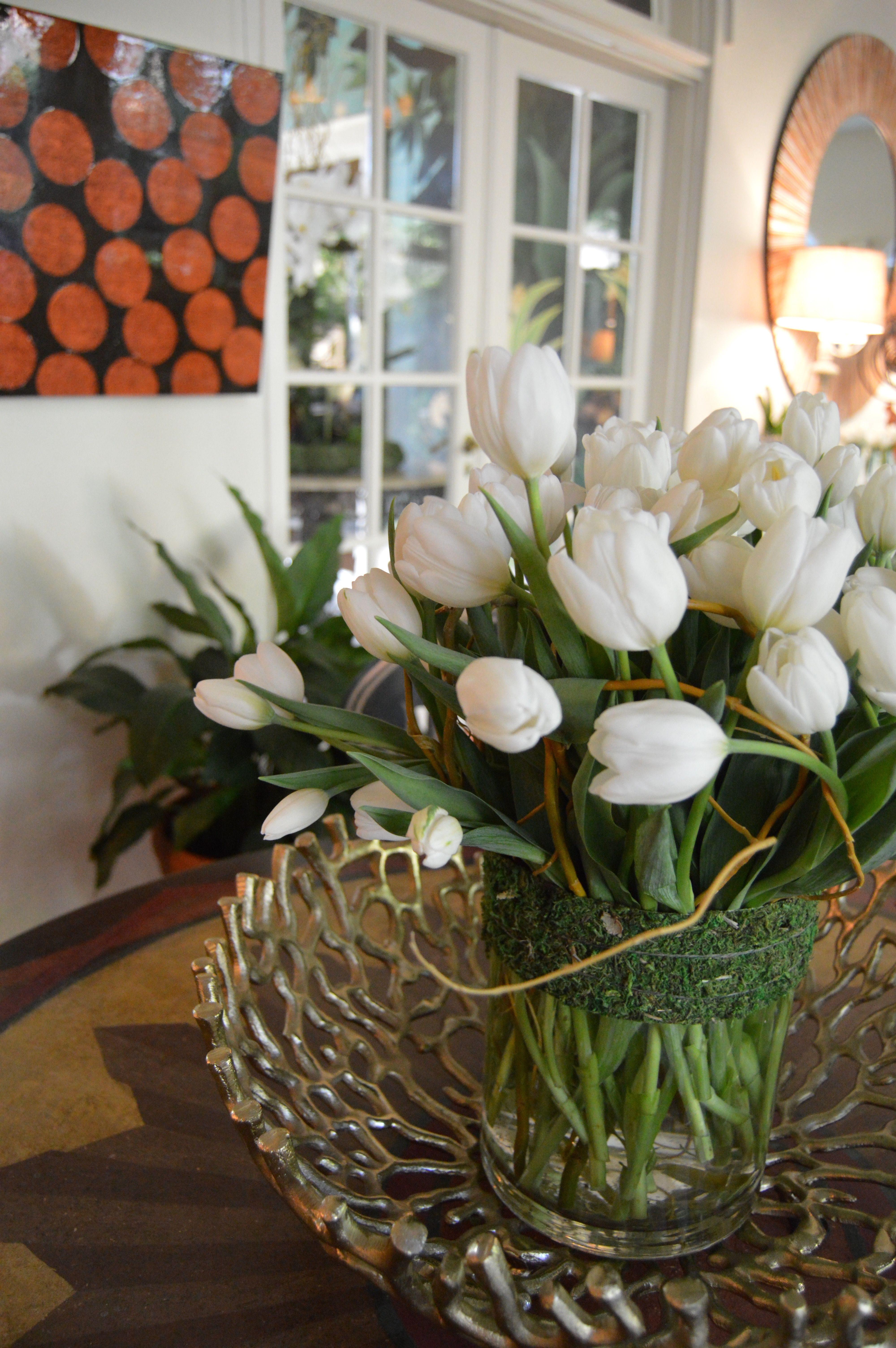 Clean design with all white tulips. So fresh, so Spring.