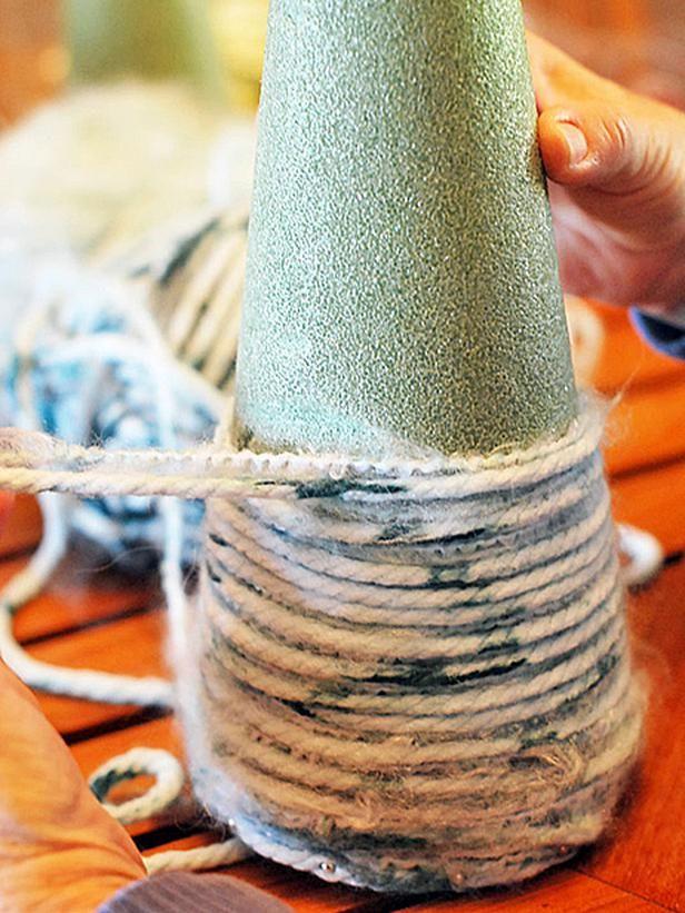 How to Make Yarn Christmas Trees