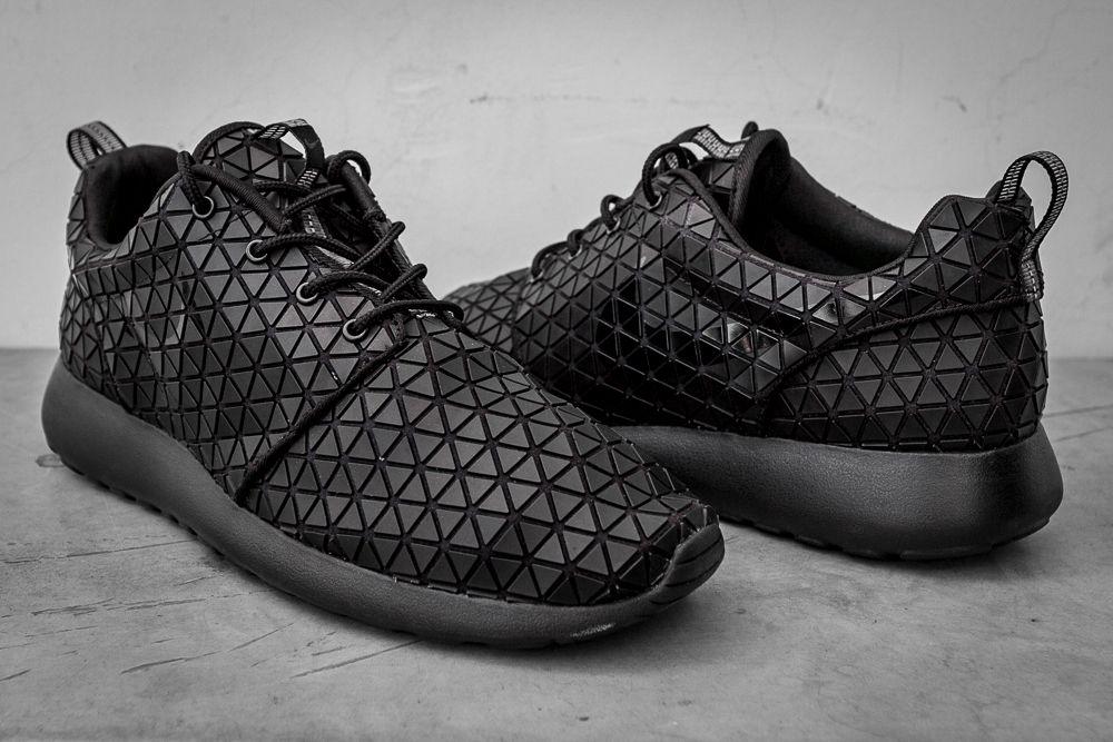 Nike roshe run geometric