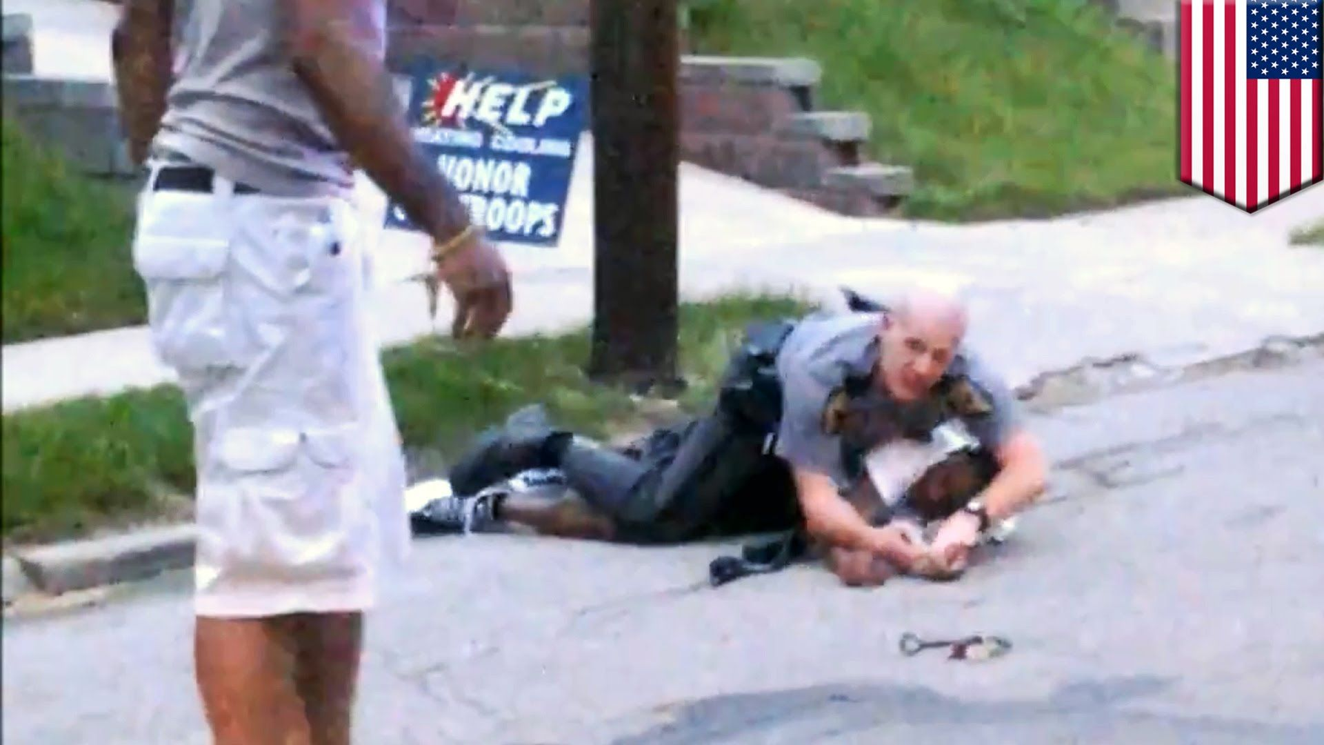 Civilian hero risks life to save cop fighting suspect