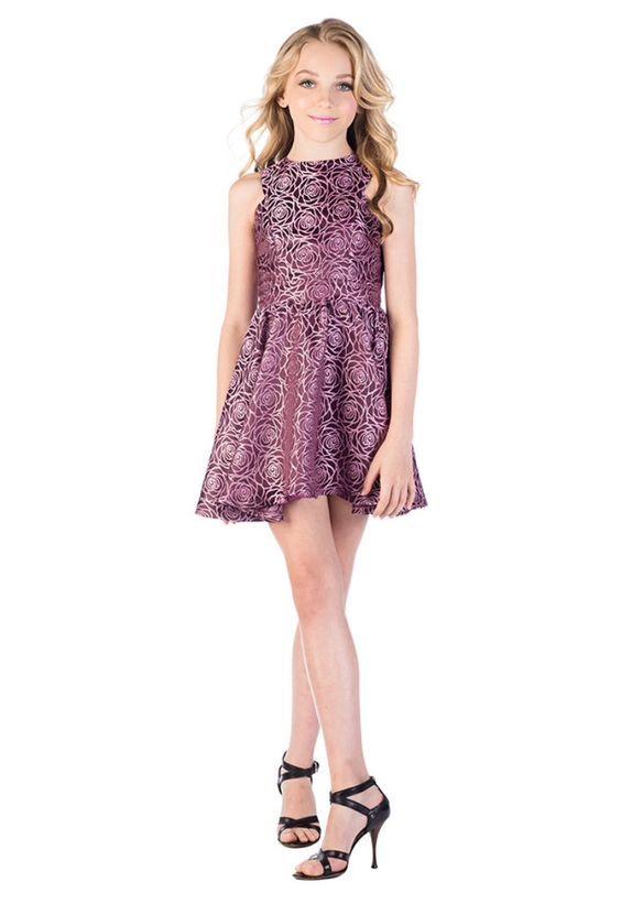 72a1b2d729f11 Mezuniyet Elbise Modelleri Mor Kısa Kolsuz Kloş Etek Gül Baskı Desenli