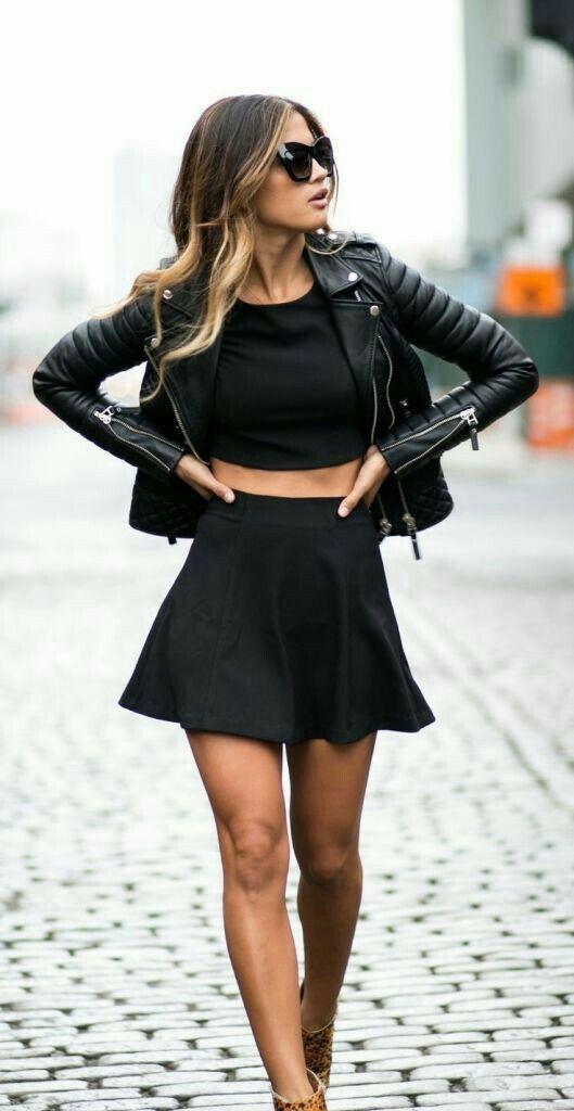 Traje de falda y chaqueta negro