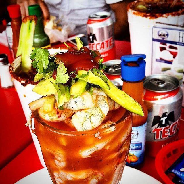 Como describirías esta delicia de cóctel de camarones? Que nos ofrece nuestro bello puerto! #Ensenada espera por ti! Aventura por Mauricio Marquez