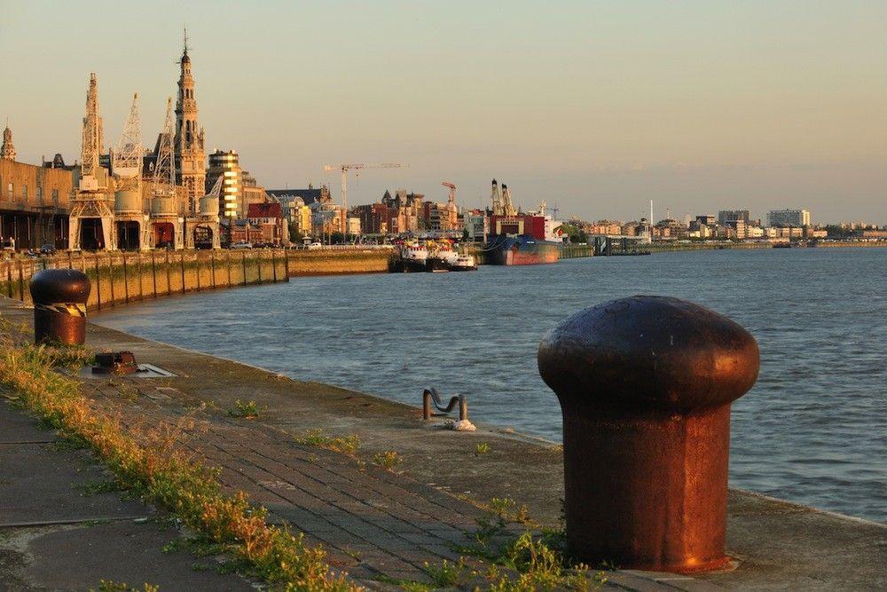 Pin van Birgit Olson op Antwerpen city Antwerpen, België