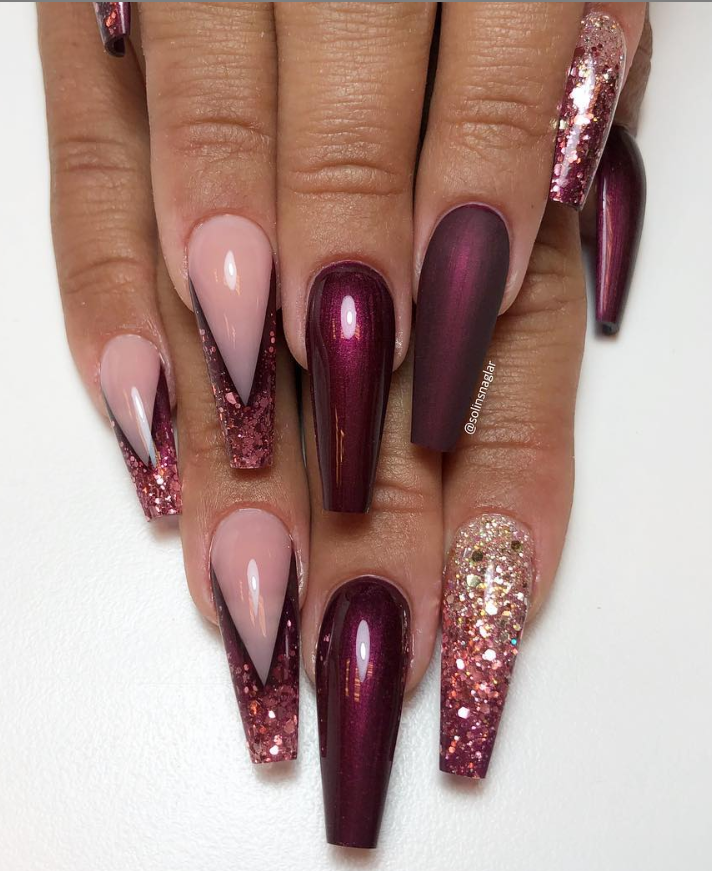 46 Elegant Acrylic Ombre Burgundy Coffin Nails Design For Short And Long Nails Page 15 Of 46 Coffin Nails Designs Burgundy Acrylic Nails Rhinestone Nails