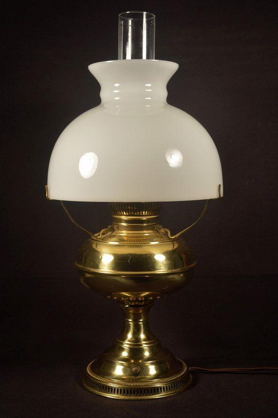 Vintage Lincoln Drape Alacite Aladdin Kerosine Oil Lamp Glass Lamp Shade Ebay Milk Glass Lamp Antique Oil Lamps Vintage Lamps