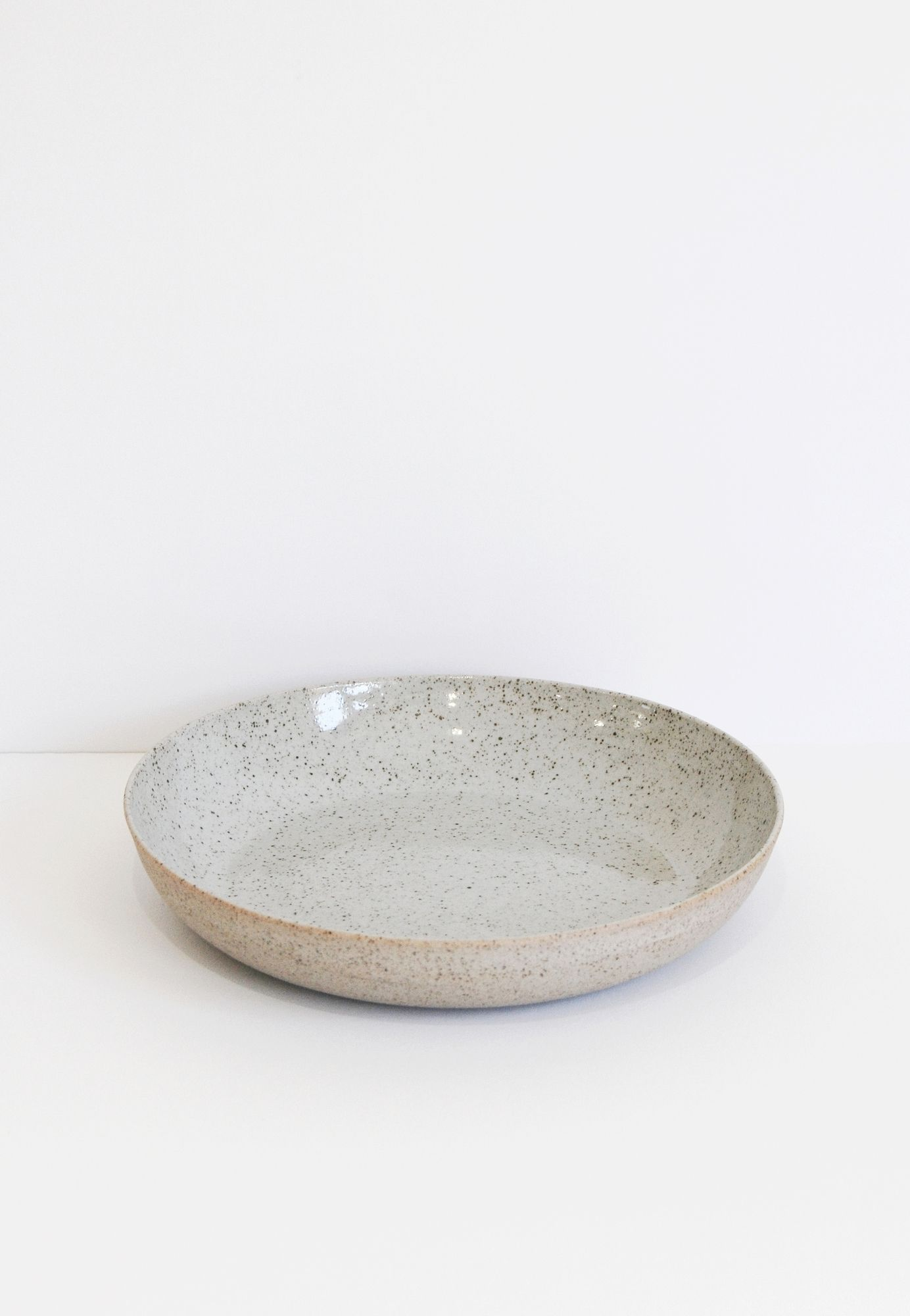 SUE PARASKEVA Natural Speckled Pasta Bowl - fen and ned