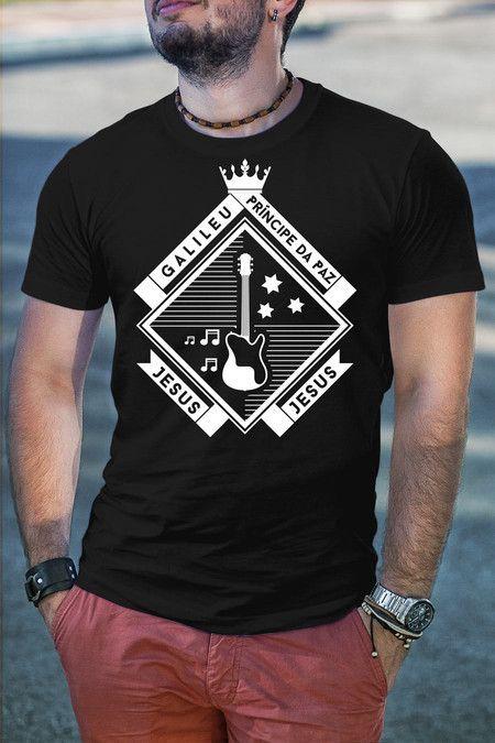 Pin em camisas e camisetas masculinas