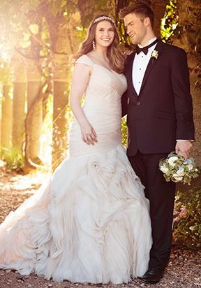 PLUS SIZE WEDDING DRESSES Every bride, regardless of her body shape or size, should experience the joy of finding the designer wedding dress of her dreams.
