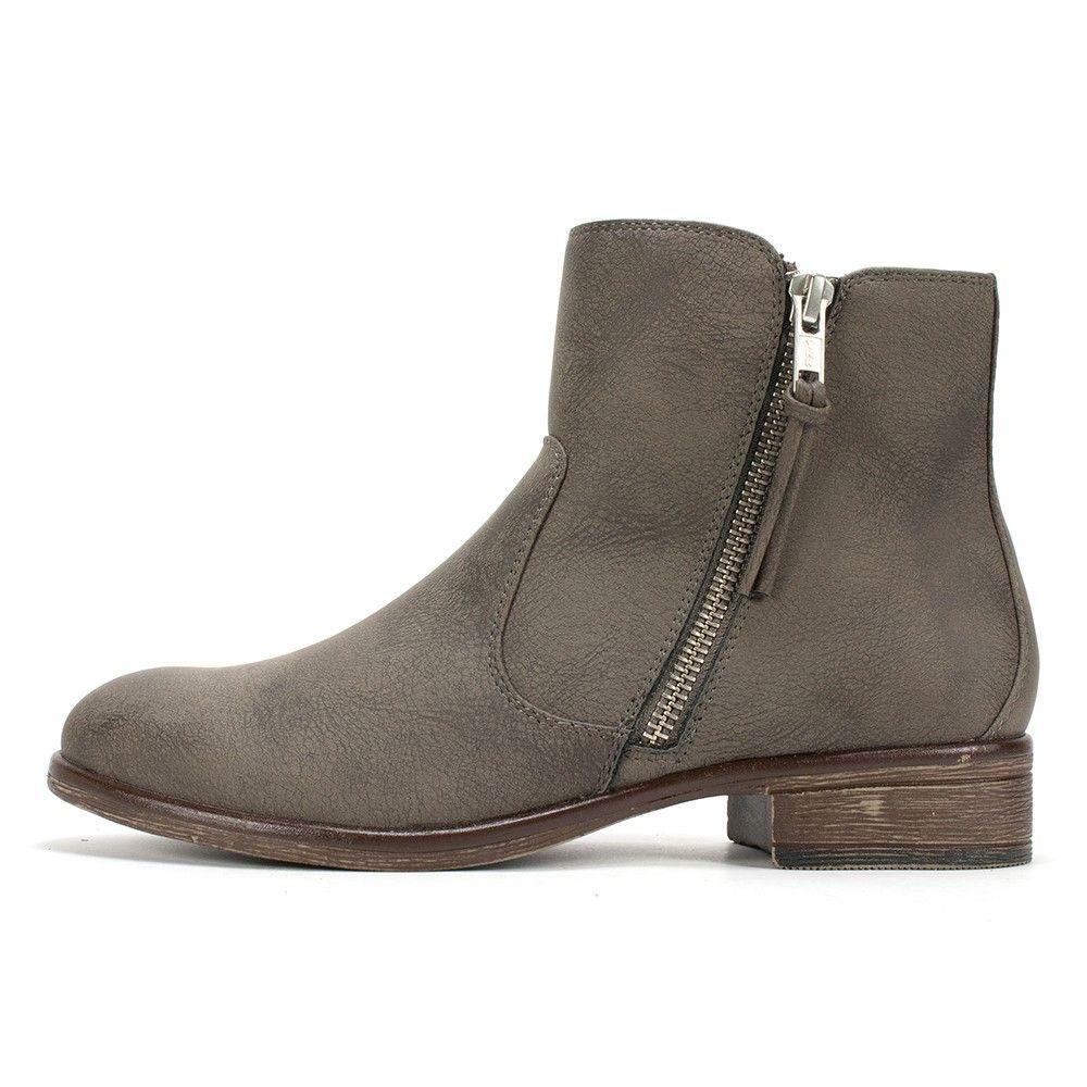 White Mountain Shoes Barlow Stone Bootie