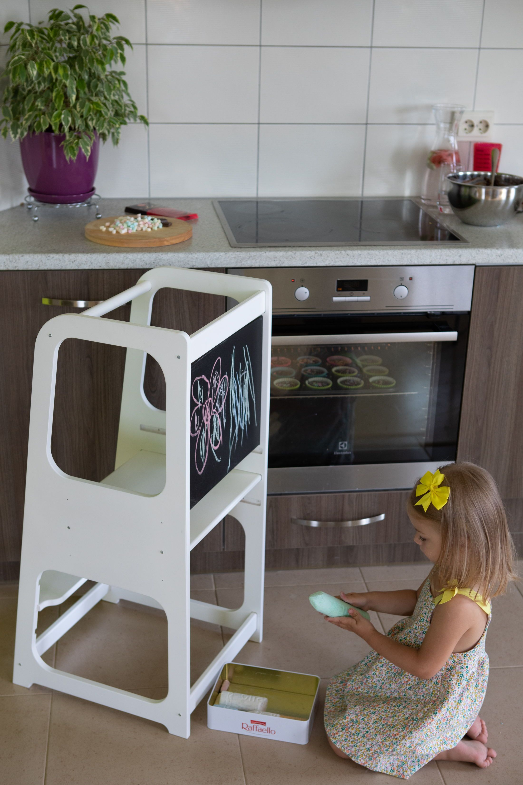 Admirable Kitchen Tower Kitchen Helper Tower Kitchen Stool Toddler Creativecarmelina Interior Chair Design Creativecarmelinacom
