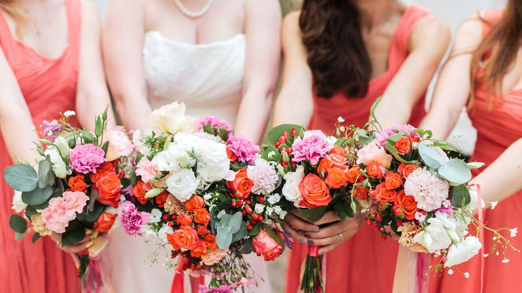 Who Goes Bridesmaid Dress Shopping? Heres Who You Should Take with You