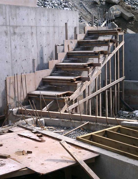Cantilevered Concrete Stair Formwork