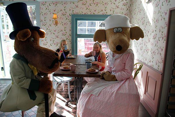 Kahvila von Guggleböö @ Koiramäki - Doghill, Särkänniemi. #sarkanniemi #tampere visit: http://www.sarkanniemi.fi