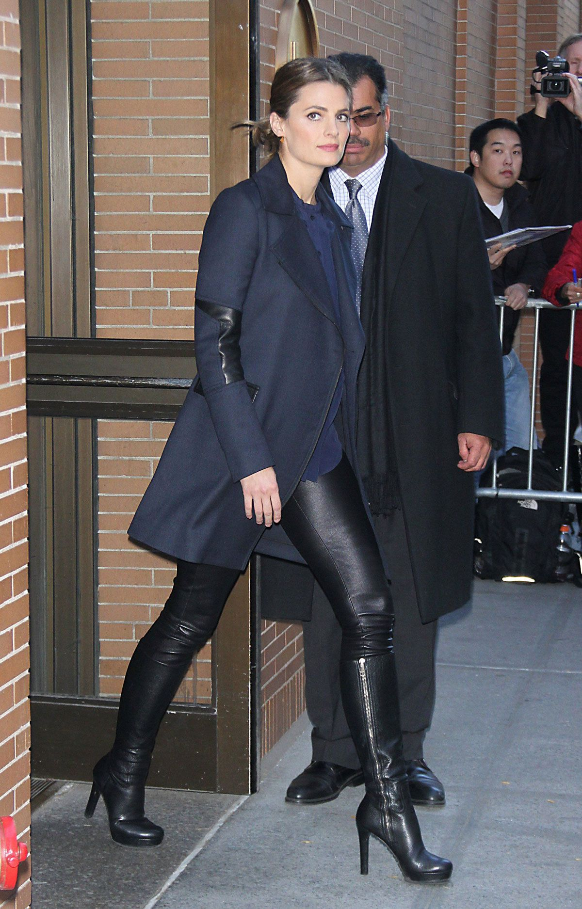 Schwarze Hohe Boots Stana Katic Was Spotted In New York | Lady In Black In