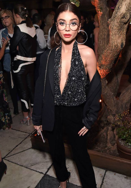 Update Modern Family Sarah Hyland Takes On New Body Shamers Quack Doctors And More With Images Modern Family Sarah Hyland Sarah Hyland Star Fashion