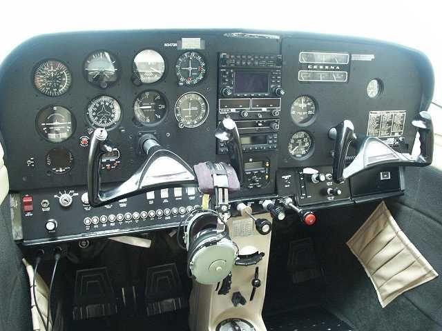 Cessna 182 instrument panel - Buscar con Google | Plane Stuff
