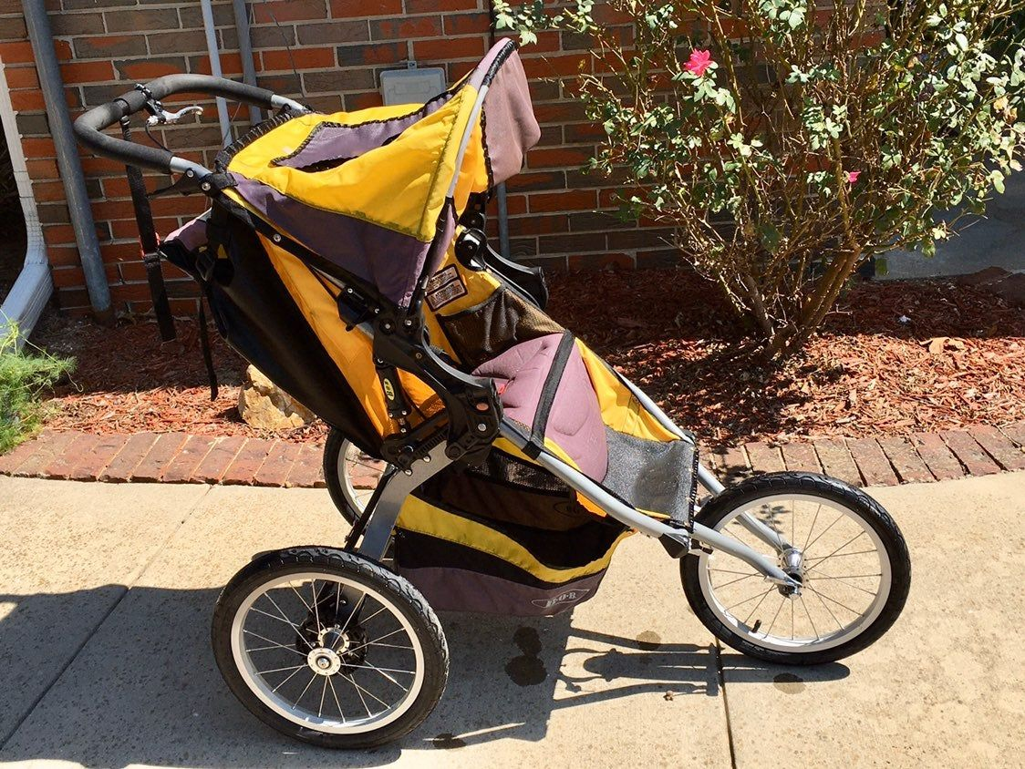 This Awesome Bob Ironman Stroller Is In Good Overall Preowned Condition As Seen In Pictures A Bob Is More Than J Bob Stroller Jogger Stroller Baby Strollers