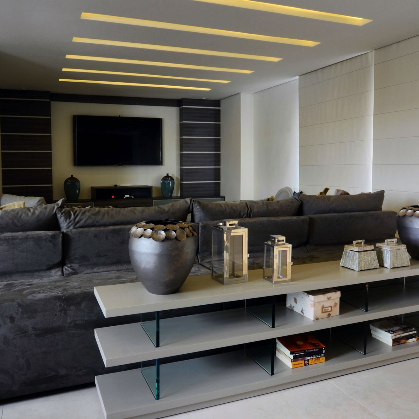 Home Theater. AnaLiviaMafra I Interior Design