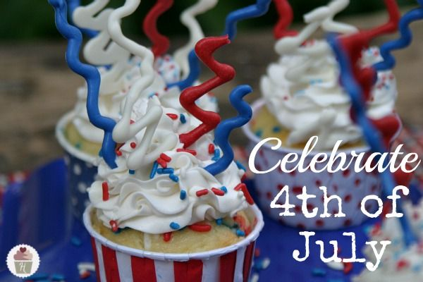 Fourth-of-July-Sparkler-Cupcakes