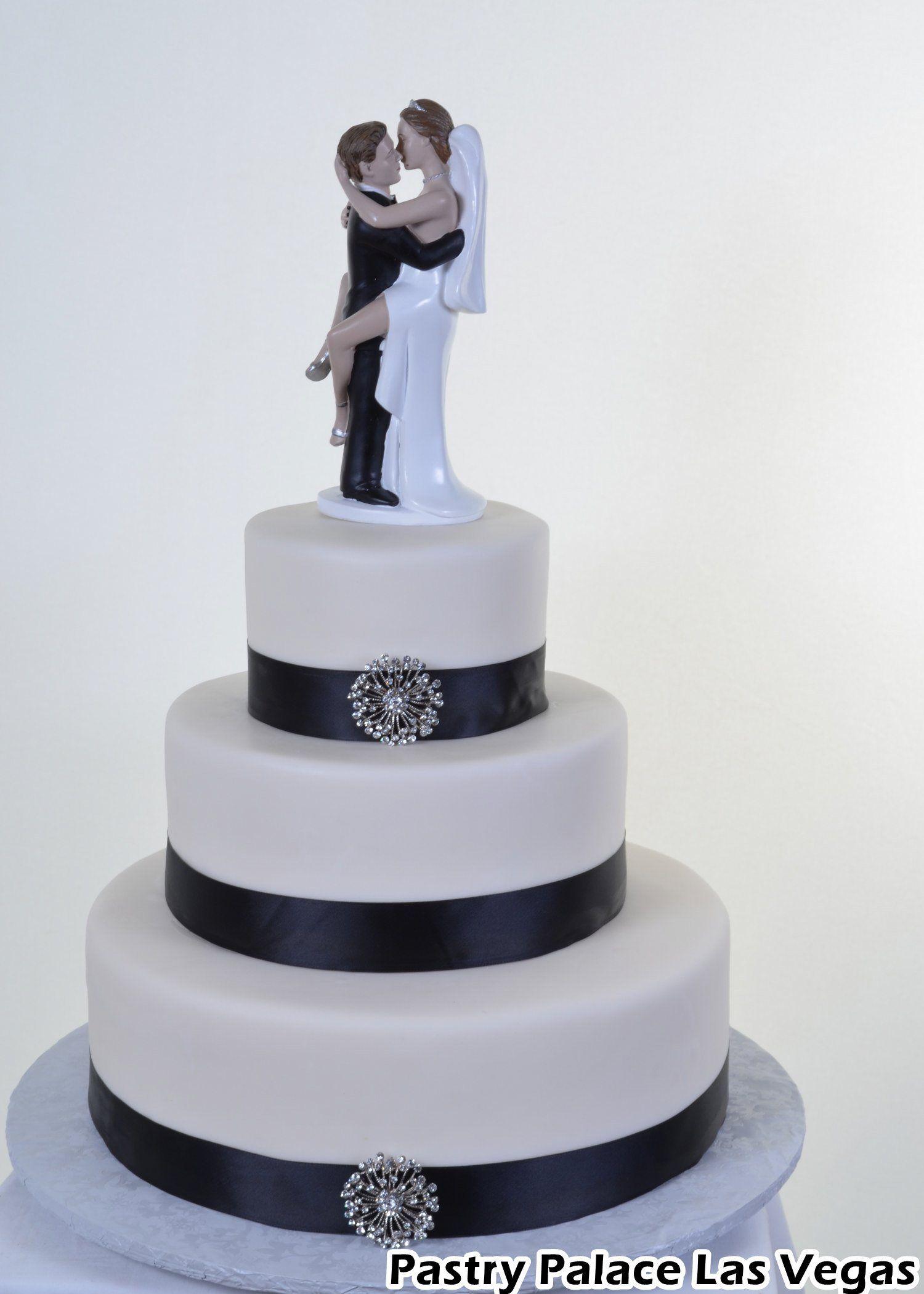 black-and-white-theme-wedding-cake.jpg (1500×2100) | wedding cake ...