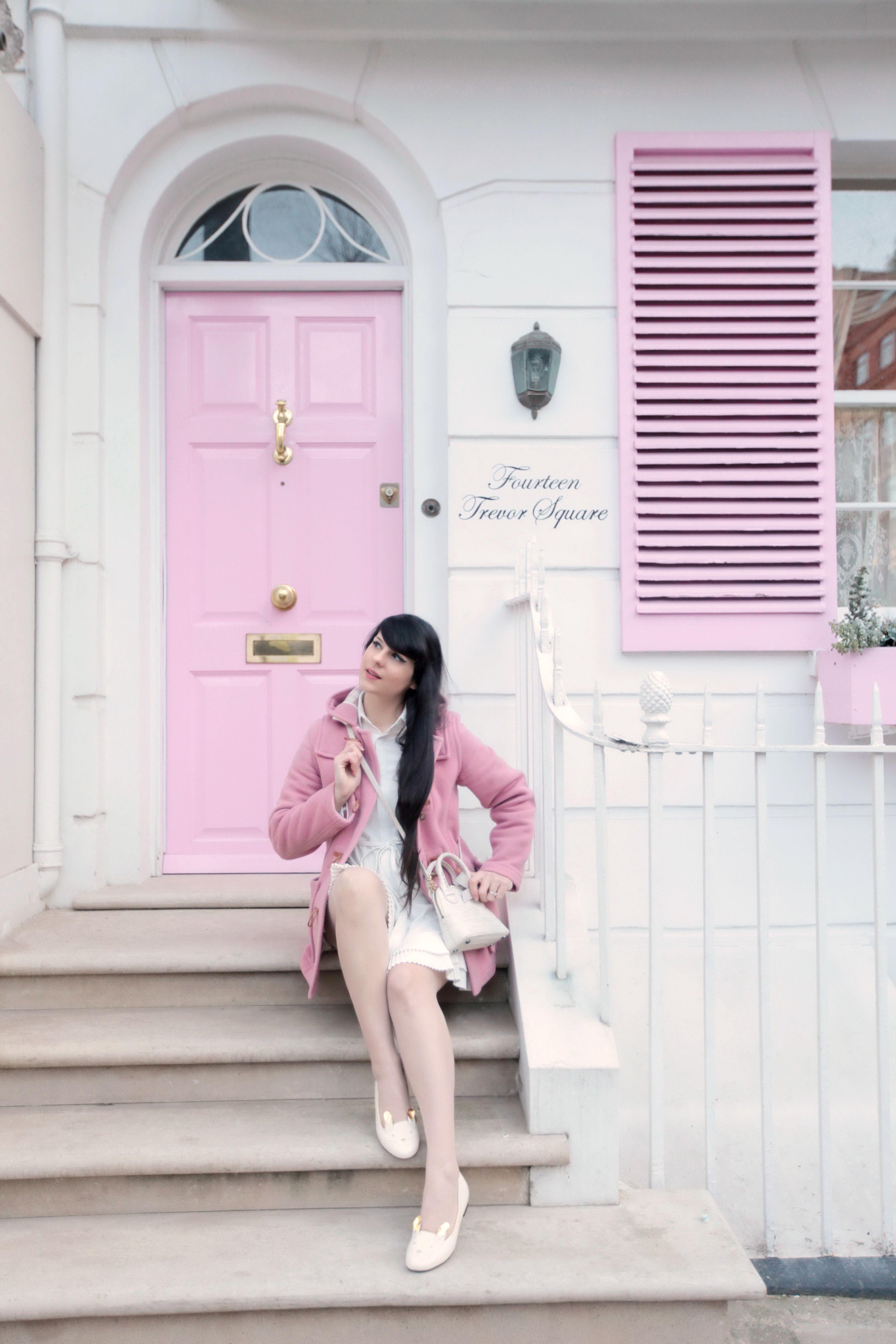 London pink door