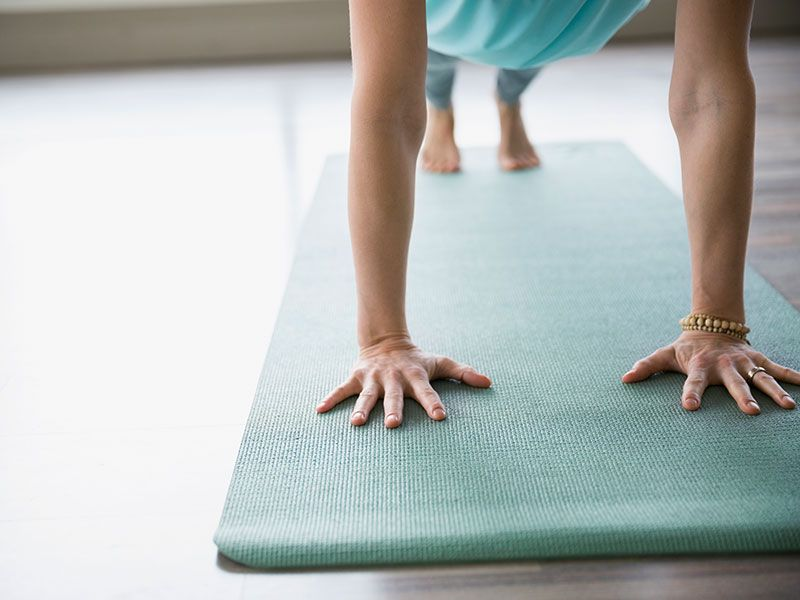 How to clean your yoga mat quick morning workout plank
