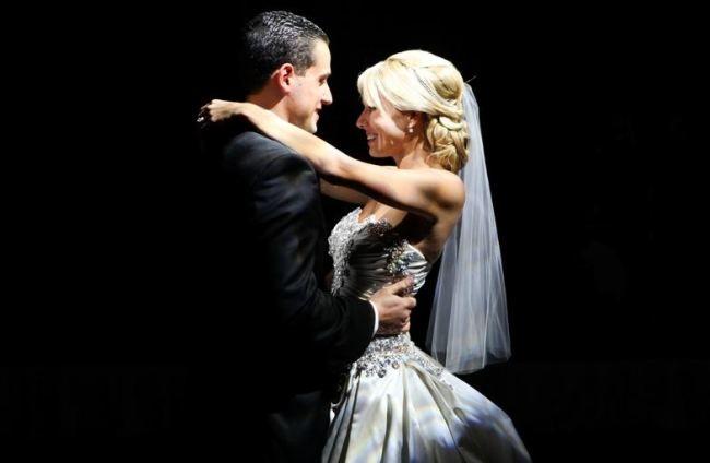 Dramatic Bride And Groom Lighting