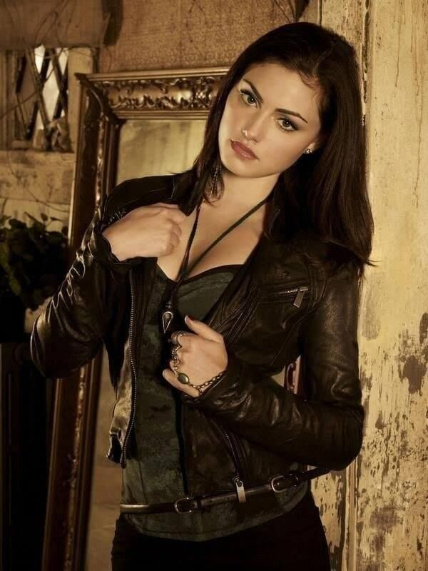 Phoebe Tonkin tight outfit
