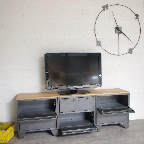 Meuble Tv Style Industriel Fabrique Avec Un Ancien Vestiaire