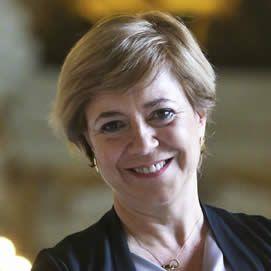 2014  Ana Ferrer, primera mujer que accede a la Sala Penal del Tribunal Supremo en 200 años de historia http://elpais.com/especiales/2015/aniversario-20-n/progreso.html