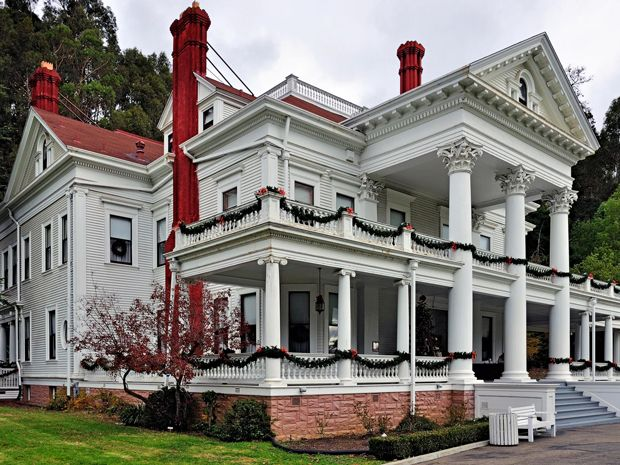 10 Real Life Horror Movie Locations You Can Actually Visit The Lineup Dunsmuir House Movie Locations Dunsmuir