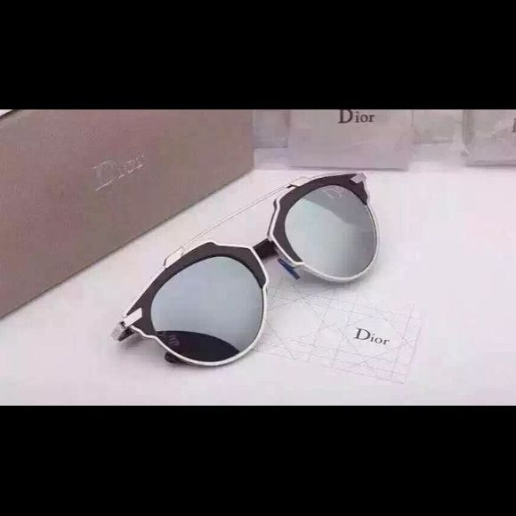 Dior sunglasses! Real fake! New with tags Dior sunglasses! Real fake very good quality!! With the case brain new Accessories Sunglasses