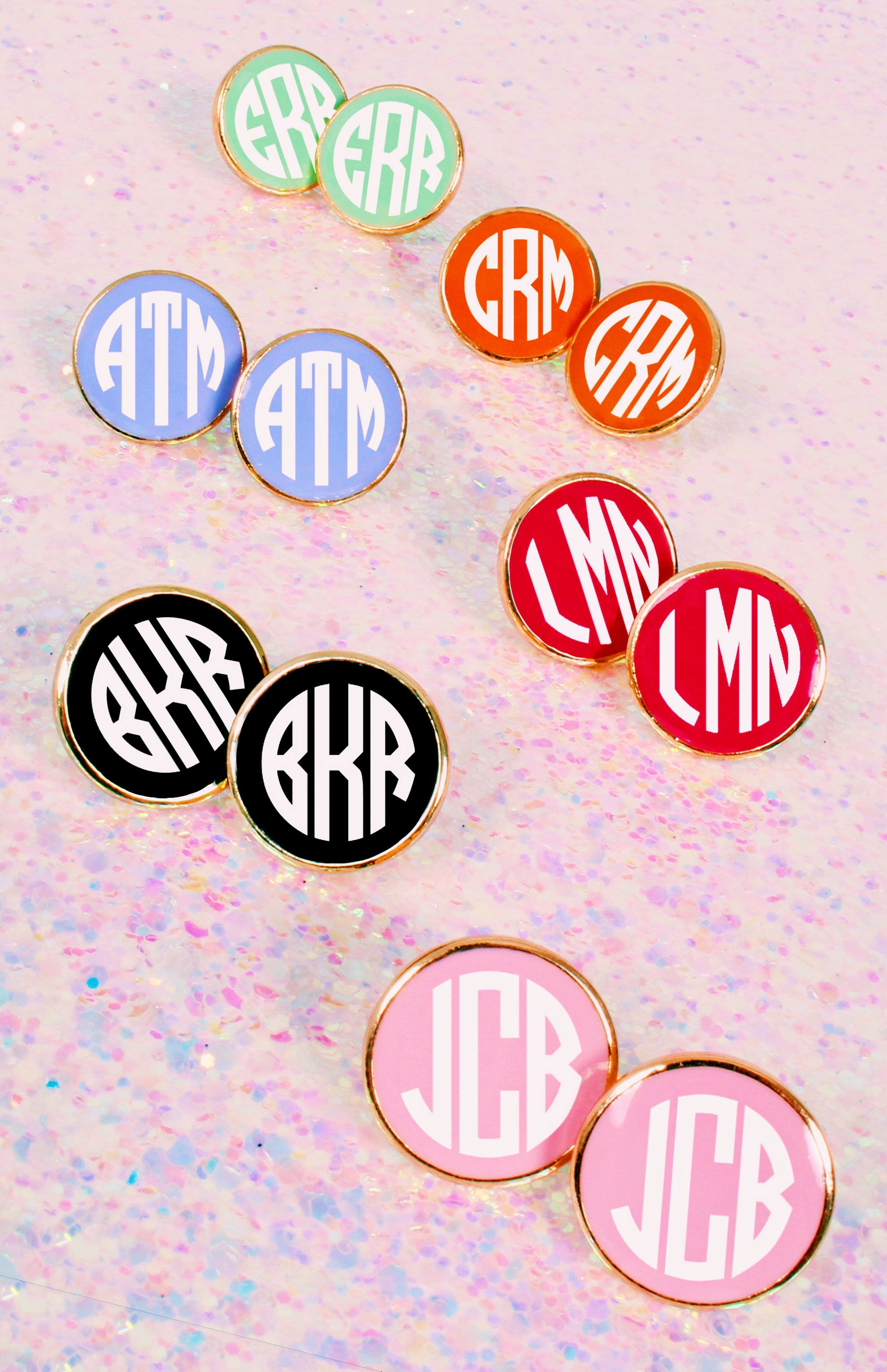 These Sweet Monogrammed Enamel Earrings Come In So Many Colors And Add Fun To Any Outfit Monogrammed Earrings Vinyl Monogram Earrings Monogram Earrings Studs