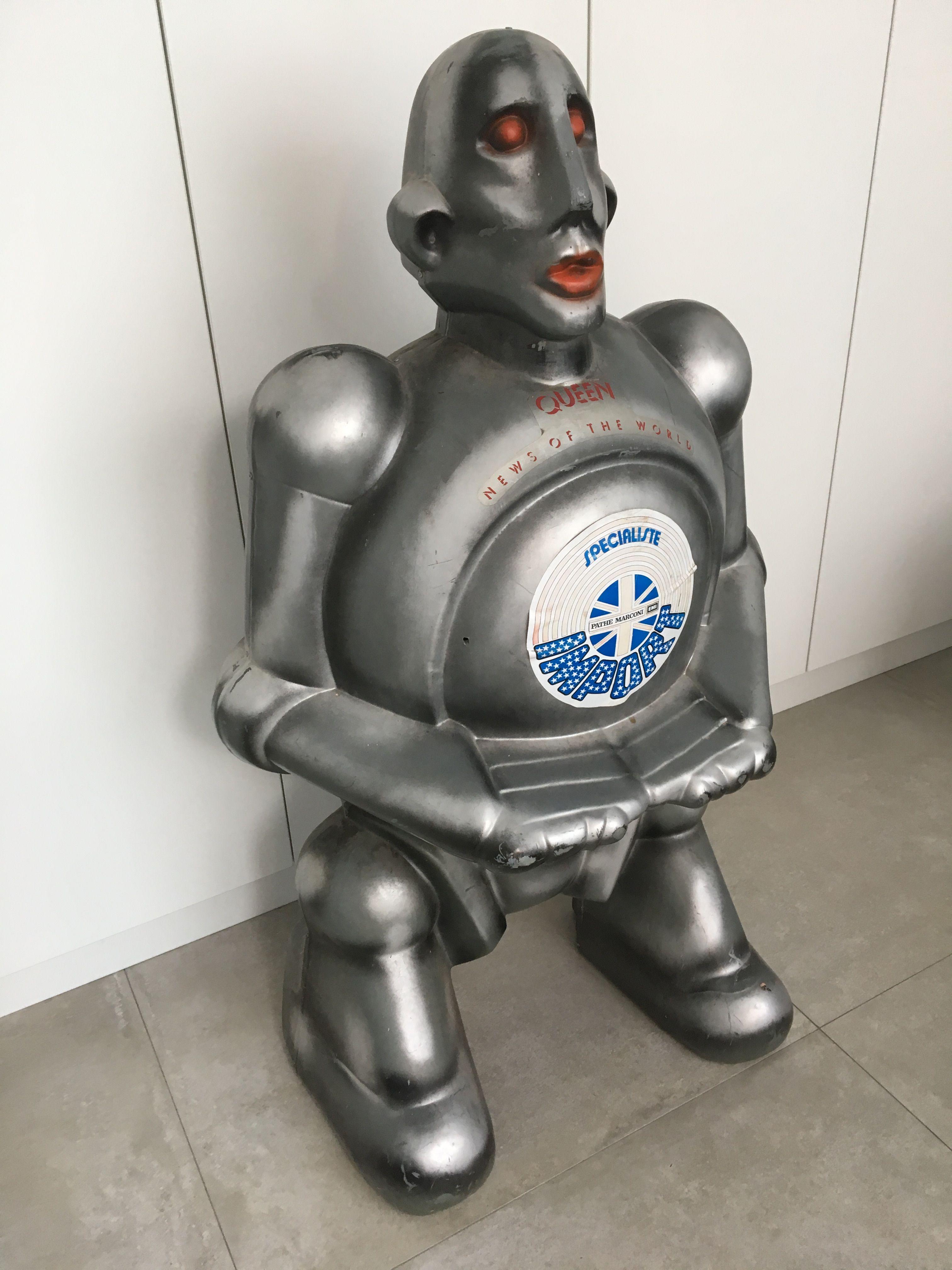 Queen News of the World promo Robot!!! | Queen Pins
